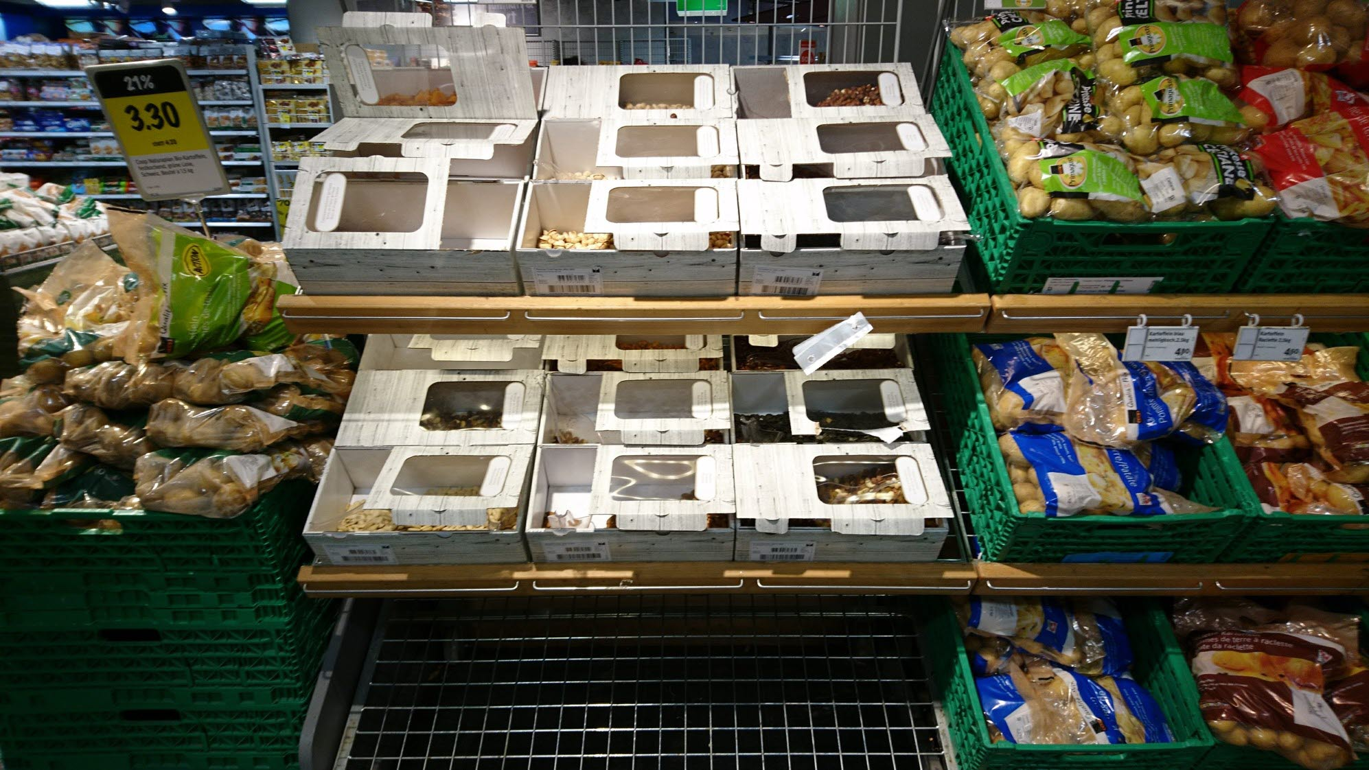 Coop_Switzerland_Bulk-Bins_HL-Display_Fresh_3.jpg