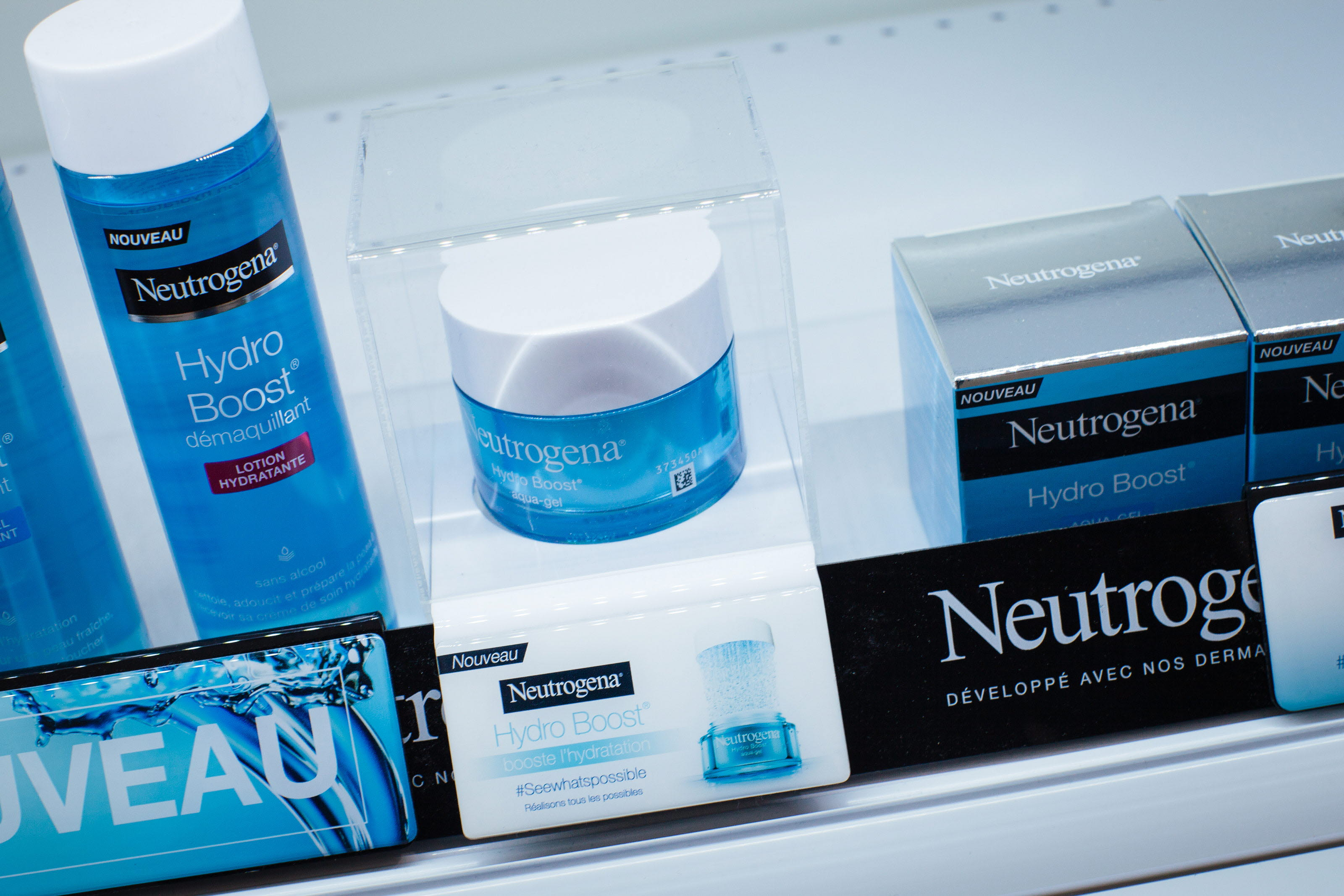 Neutrogena_Brandline_Shelfliner_HL-Display_0578.jpg